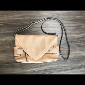 Nicole Miller New York cream purse cross/shoulder